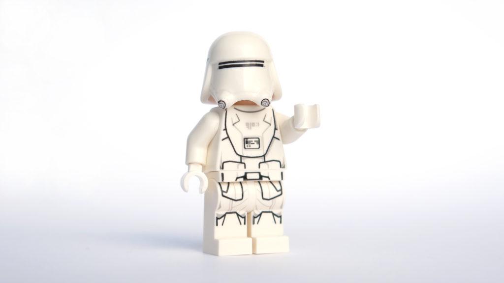 First Order Snowtrooper aus Tür 13 vom LEGO® Star Wars™ Adventskalender 2017 | © 2017 Brickzeit