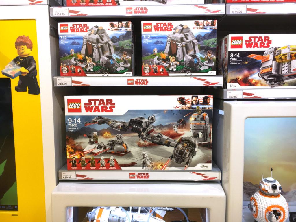 LEGO® Star Wars™ Neuheiten 2018 im LEGO Store Regal | ©2017 Brickzeit