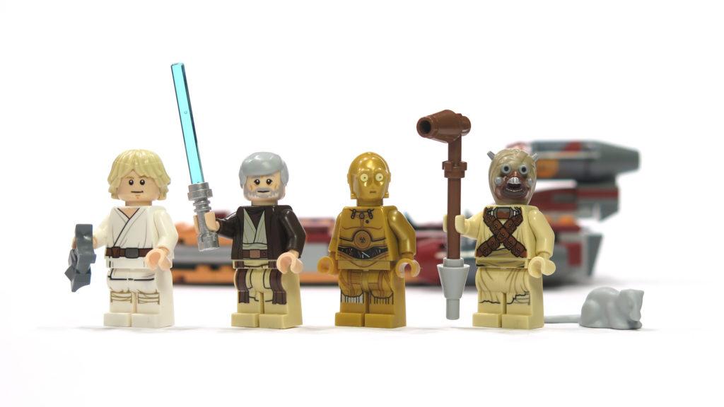LEGO® Star Wars™ 75173 Luke's Landspeeder - Figuren vor Landspeeder | © 2018 Brickzeit
