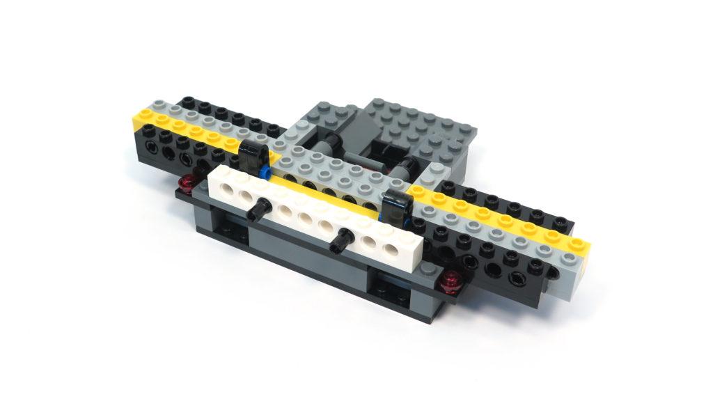LEGO® Star Wars™ 75179 Kylo Ren's TIE Fighter - Bauabschnitt 1 - Rückseite | ©2018 Brickzeit