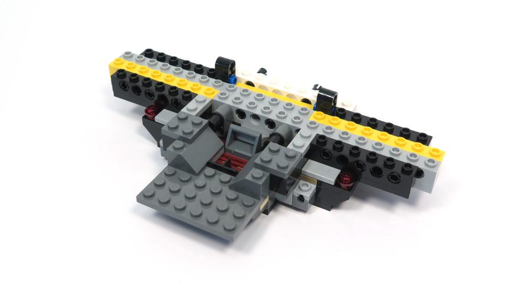 LEGO® Star Wars™ 75179 Kylo Ren's TIE Fighter - Bauabschnitt 1 - Vorderseite | ©2018 Brickzeit