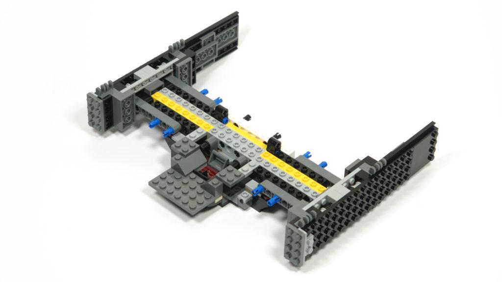 LEGO® Star Wars™ 75179 Kylo Ren's TIE Fighter - Bauabschnitt 2 - kombiniert - Vordereite | ©2018 Brickzeit