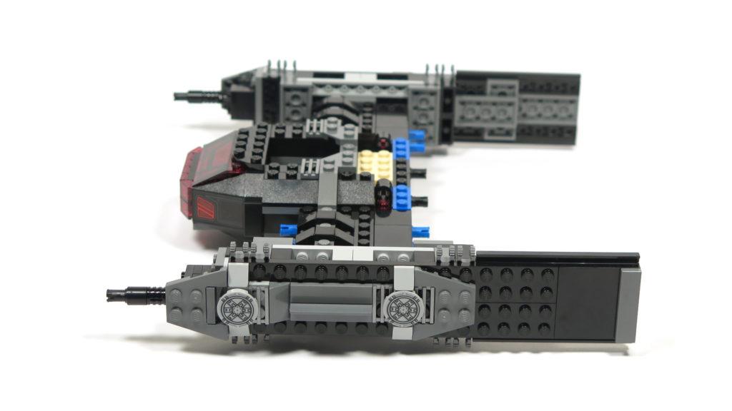 LEGO® Star Wars™ 75179 Kylo Ren's TIE Fighter - Bauabschnitt 3 - linke Seite | ©2018 Brickzeit