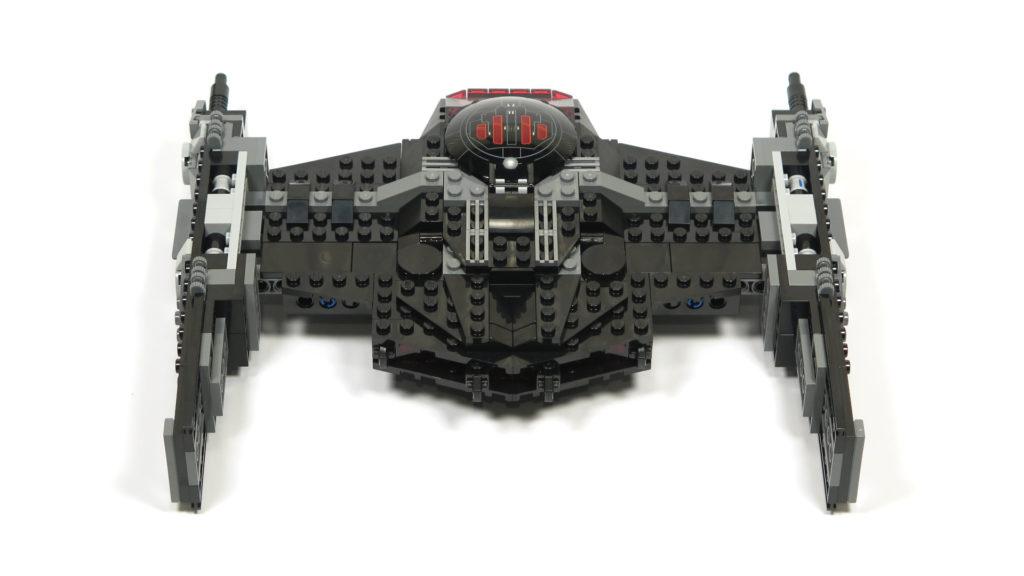 LEGO® Star Wars™ 75179 Kylo Ren's TIE Fighter - Bauabschnitt 4 - Antrieb | ©2018 Brickzeit