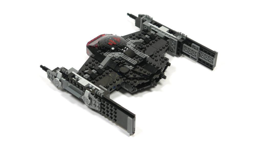 LEGO® Star Wars™ 75179 Kylo Ren's TIE Fighter - Bauabschnitt 4 - Rückseite | ©2018 Brickzeit
