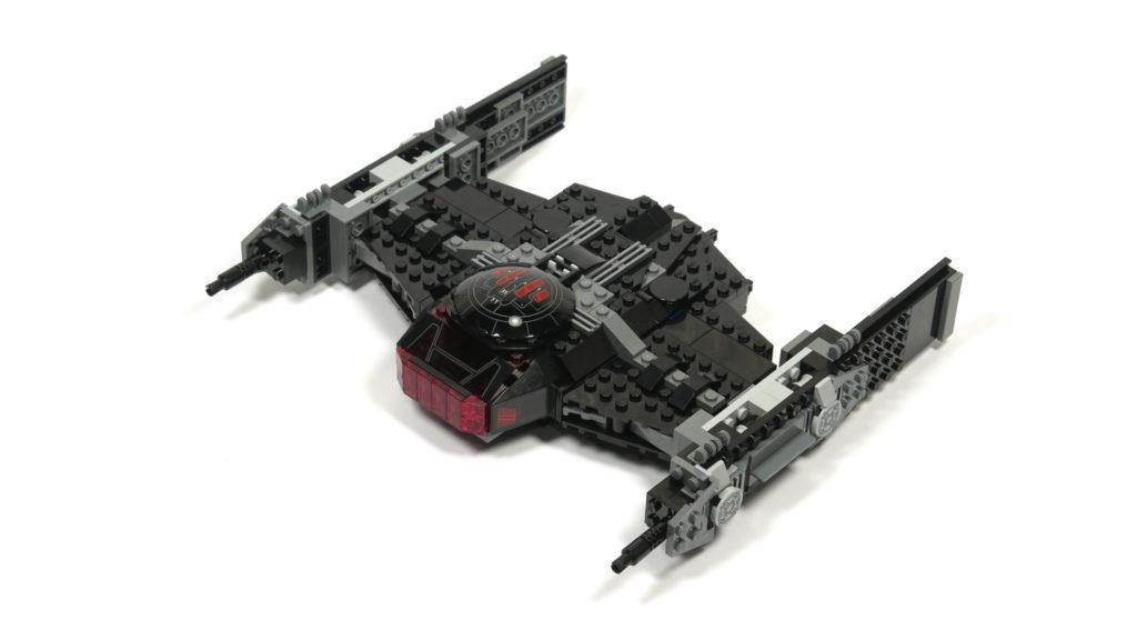LEGO® Star Wars™ 75179 Kylo Ren's TIE Fighter - Bauabschnitt 4 - Vorderseite | ©2018 Brickzeit
