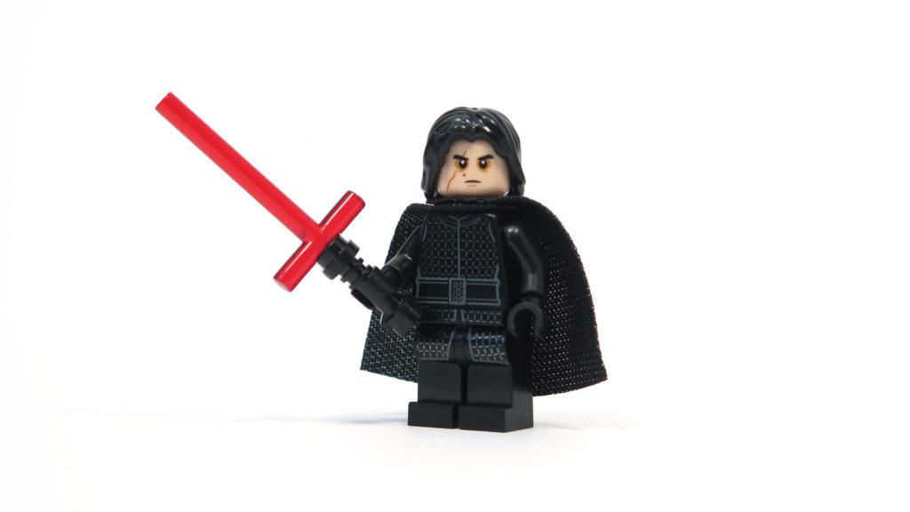 LEGO® Star Wars™ 75179 Kylo Ren's TIE Fighter - Kylo Ren Minifigur - Vorderseite | ©2018 Brickzeit
