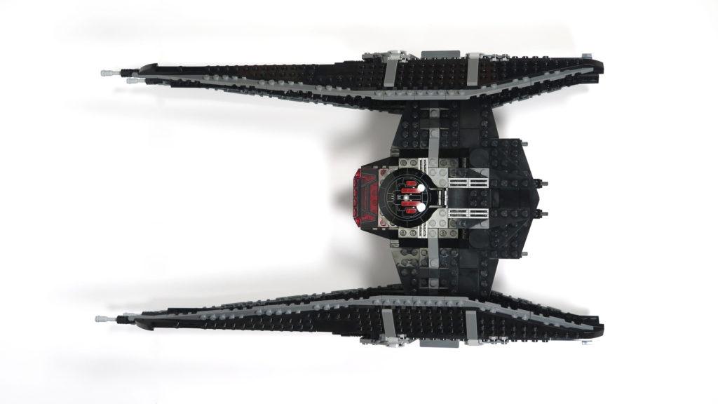 LEGO® Star Wars™ 75179 Kylo Ren's TIE Fighter - Bauabschnitt 5 & 6 - Draufsicht | ©2018 Brickzeit