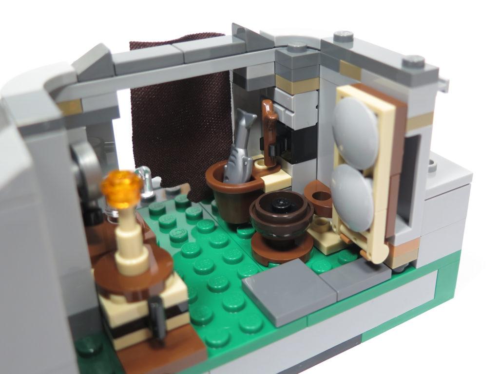 LEGO® Star Wars™ 75200 Ahch-To Island™ Training - Innen rechte Seite | ©2018 Brickzeit