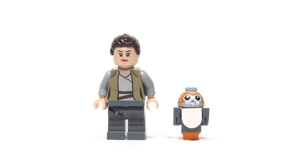 LEGO® Star Wars™ 75200 Ahch-To Island™ Training - Rey und Porg Vorderseite | ©2018 Brickzeit