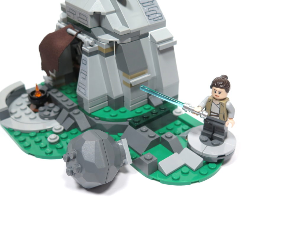 LEGO® Star Wars™ 75200 Ahch-To Island™ Training - Übungsplatz 2 | ©2018 Brickzeit