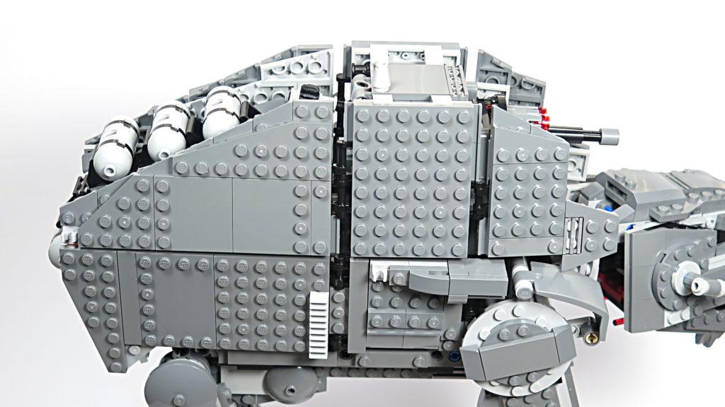 LEGO® Star Wars™ 75189 First Order Heavy Assault Walker™ - Bauabschnitt 9 - rechte Seite | ©2018 Brickzeit