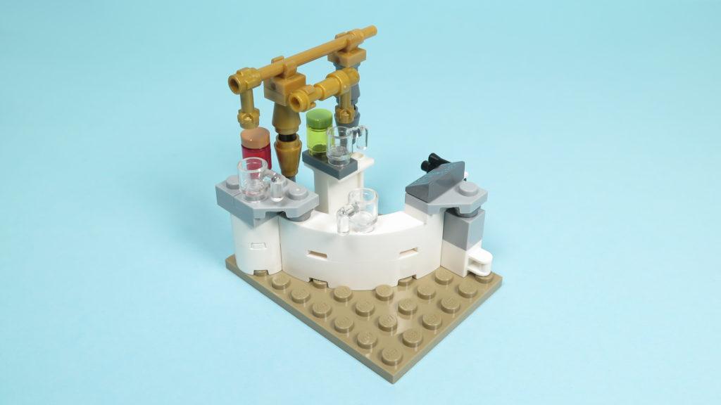 LEGO® Star Wars™ 75205 Mos Eisley Cantina™ - Bauabschnitt 2 - Bar - Vorderseite | ©2018 Brickzeit