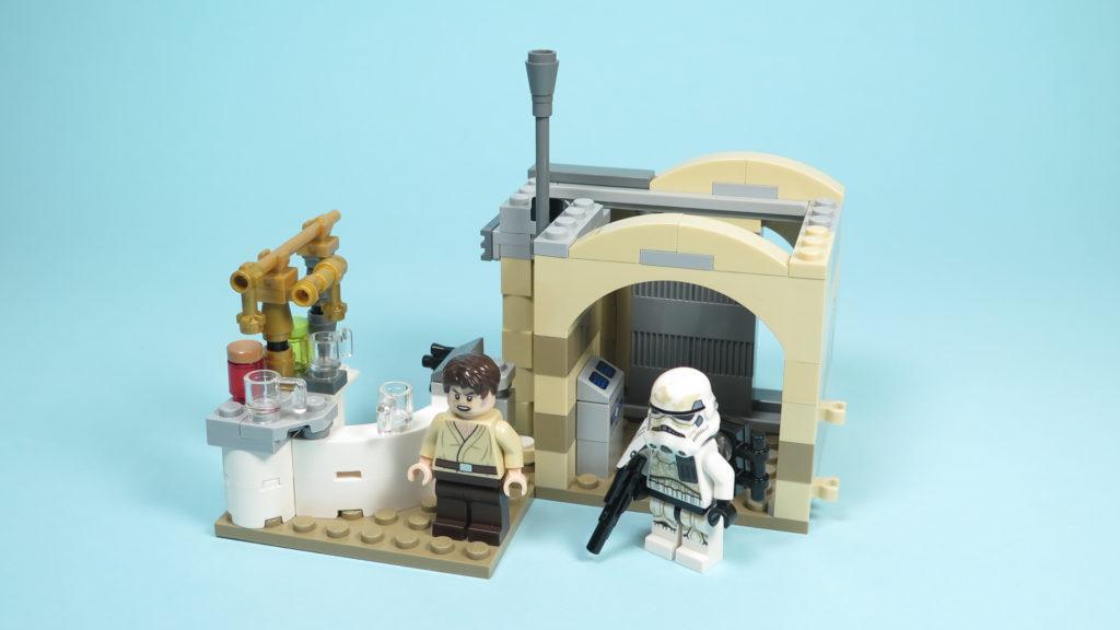 LEGO® Star Wars™ 75205 Mos Eisley Cantina™ - Bauabschnitt 2 | ©2018 Brickzeit