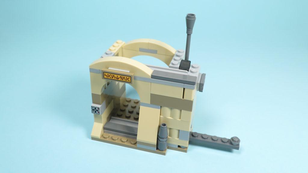 LEGO® Star Wars™ 75205 Mos Eisley Cantina™ - Bauabschnitt 2 - Eingang - Tür offen | ©2018 Brickzeit