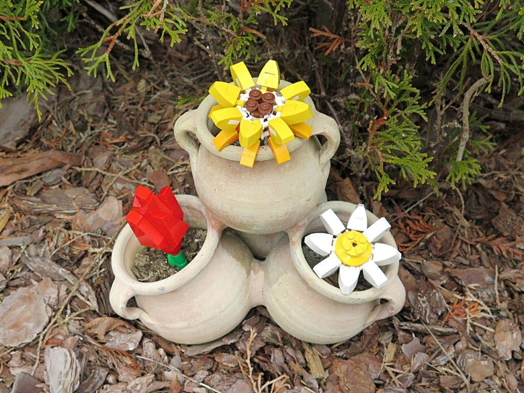LEGO® Blumenpracht (40187) im Blumentopf | ©2018 Brickzeit