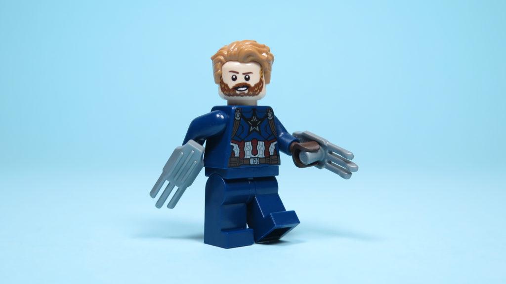 LEGO® Marvel Super Heroes 76101 Outrider Dropship-Attacke - Captain America in Aktion | ©2018 Brickzeit