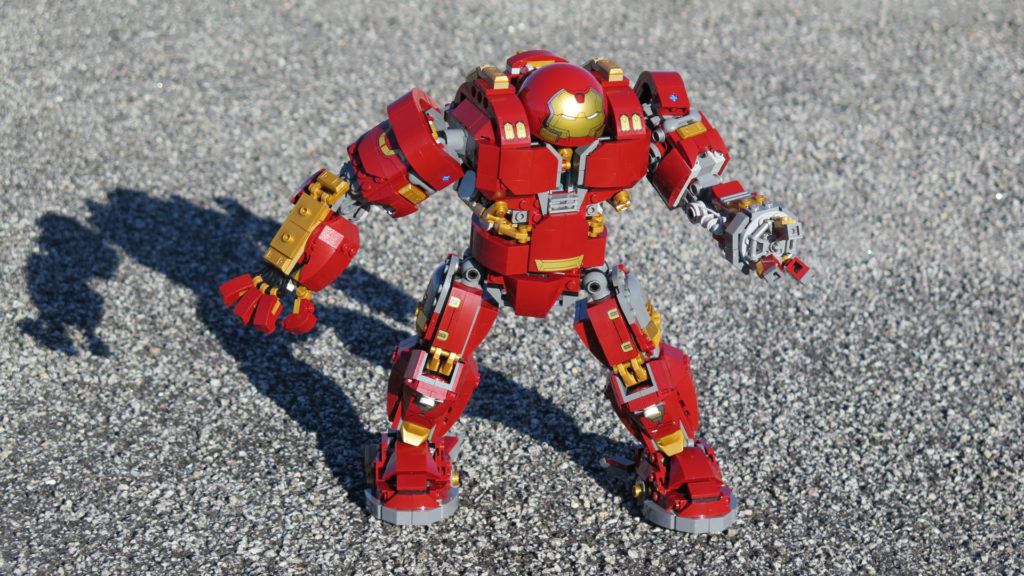 LEGO® Marvel Super Heroes - 76105 - Der Hulkbuster: Ultron Edition - Draußen in Aktion | ©2018 Brickzeit