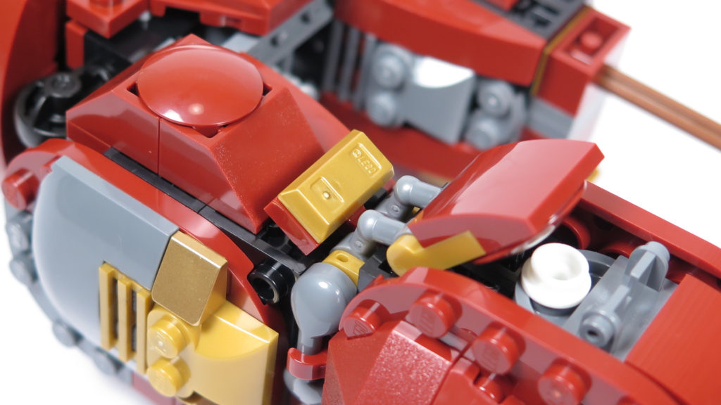 LEGO® Marvel Super Heroes - 76105 - Der Hulkbuster: Ultron Edition - Bauabschnitt 4 - Verzierung 2 | ©2018 Brickzeit