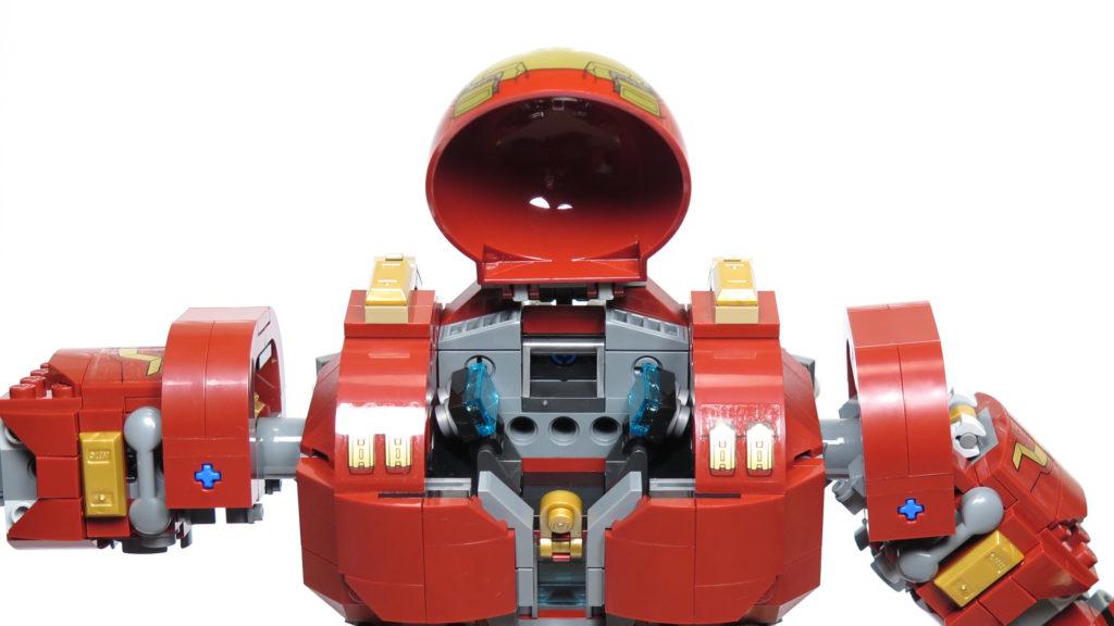 LEGO® Marvel Super Heroes - 76105 - Der Hulkbuster: Ultron Edition - Bauabschnitt 7 - Geöffnetes Cockpit | ©2018 Brickzeit