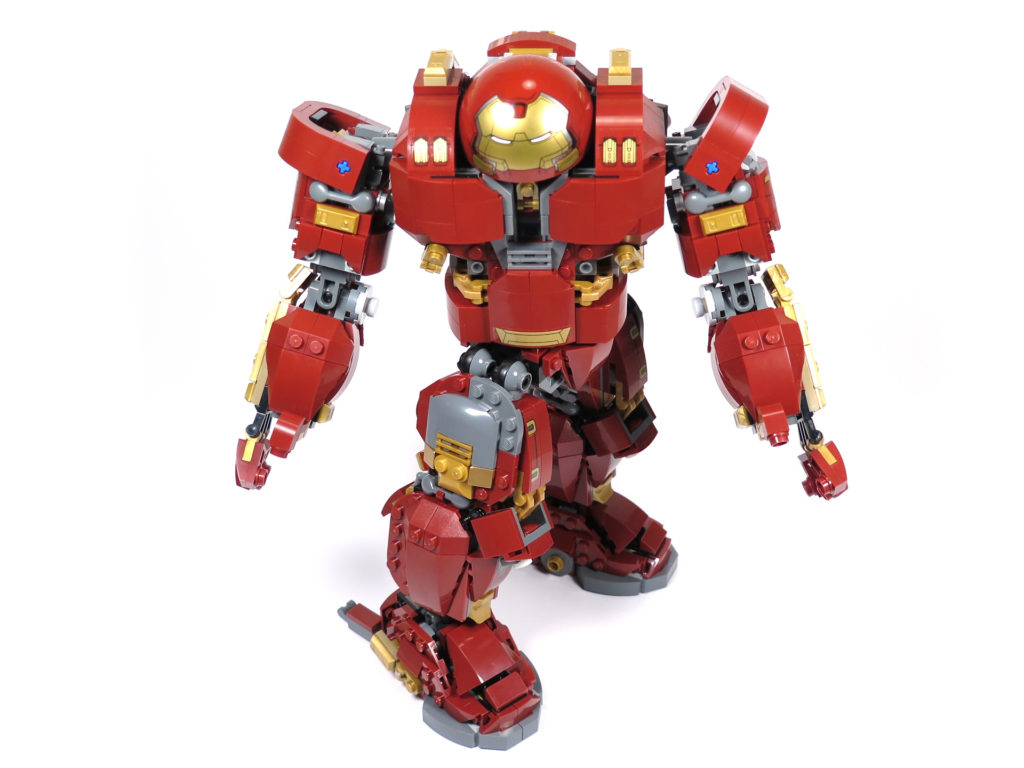 LEGO® Marvel Super Heroes - 76105 - Der Hulkbuster: Ultron Edition - gedrehte Hüfte und alternative Hand | ©2018 Brickzeit