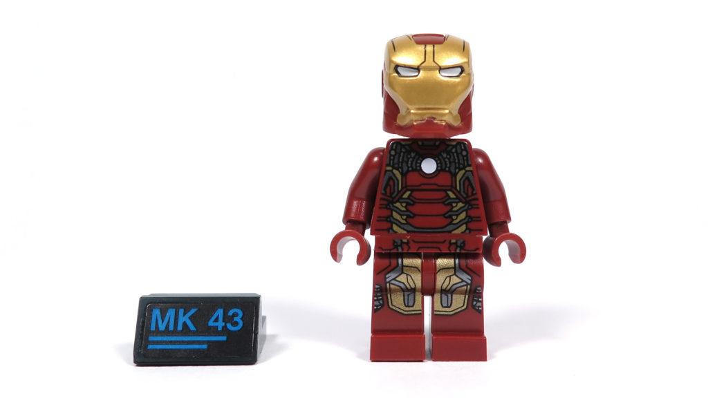 LEGO® Marvel Super Heroes - 76105 - Der Hulkbuster: Ultron Edition - Iron Man Minifigur Vorderseite und Typenschild | ©2018 Brickzeit