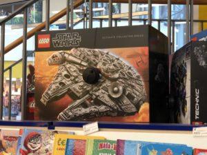 LEGO® Star Wars™ UCS Millennium Falcon (75192) bei Bambule in Tschechien | ©2018 Brickzeit