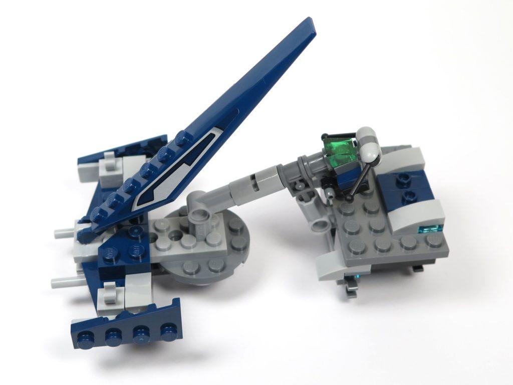 LEGO® Star Wars™ 75199 General Grevious Combat Speeder - Bauabschnitt 1 hochgeklappte Abdeckung | ©2018 Brickzeit