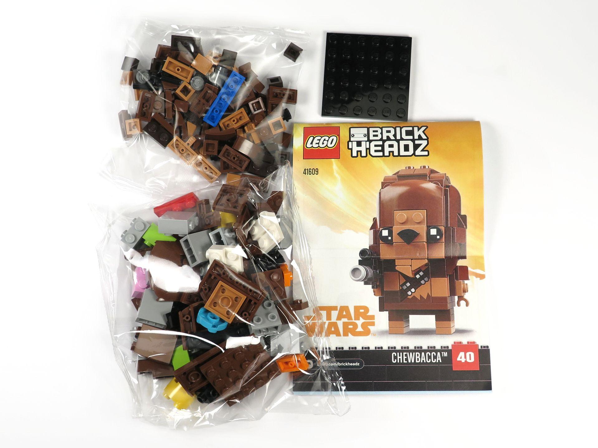 LEGO® Brickheadz™ Chewbacca™ (41609) - Inhalt | ©2018 Brickzeit