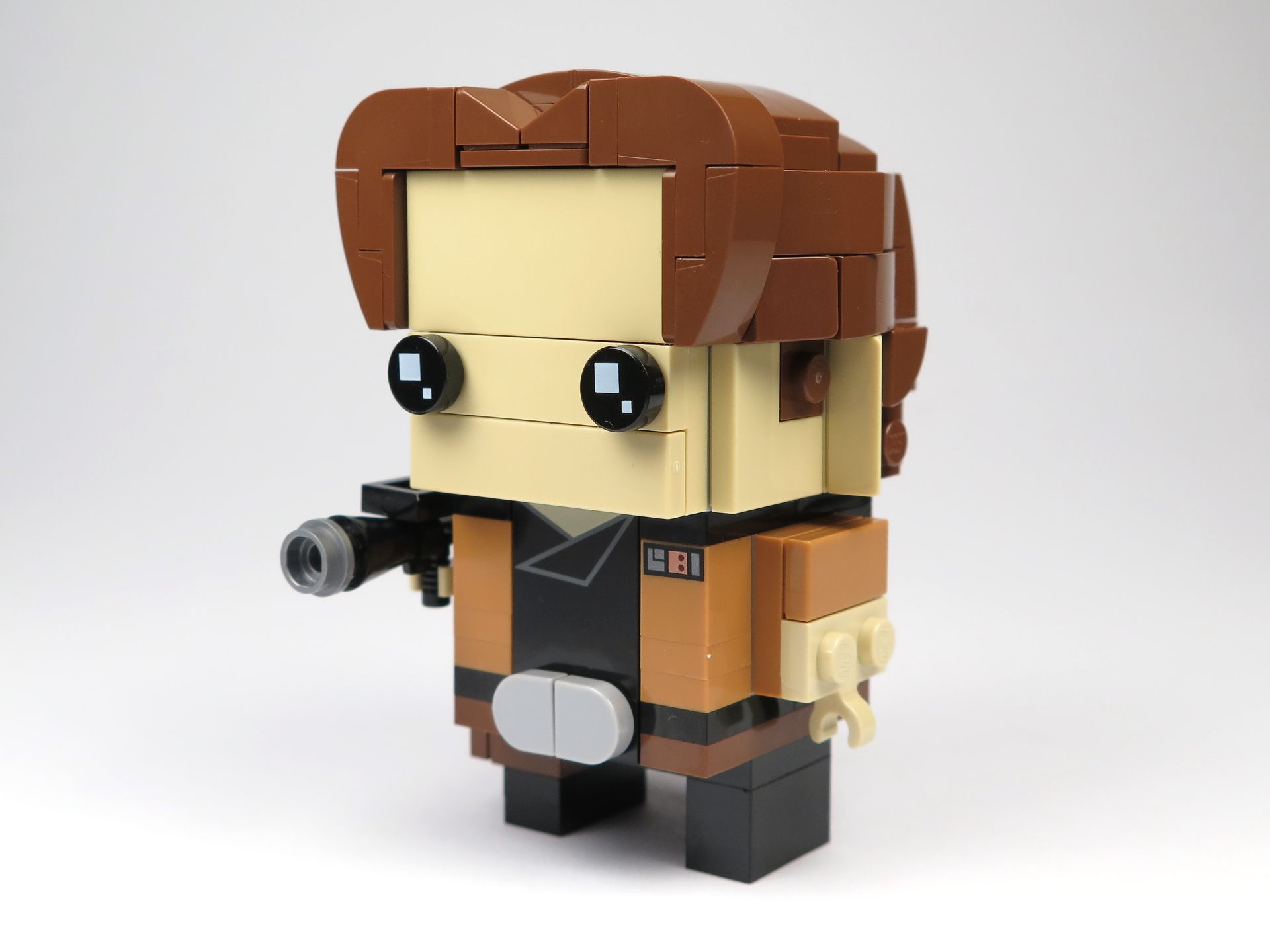 LEGO® Brickheadz™ Han Solo™ (41608) - Perspektive links | ©2018 Brickzeit