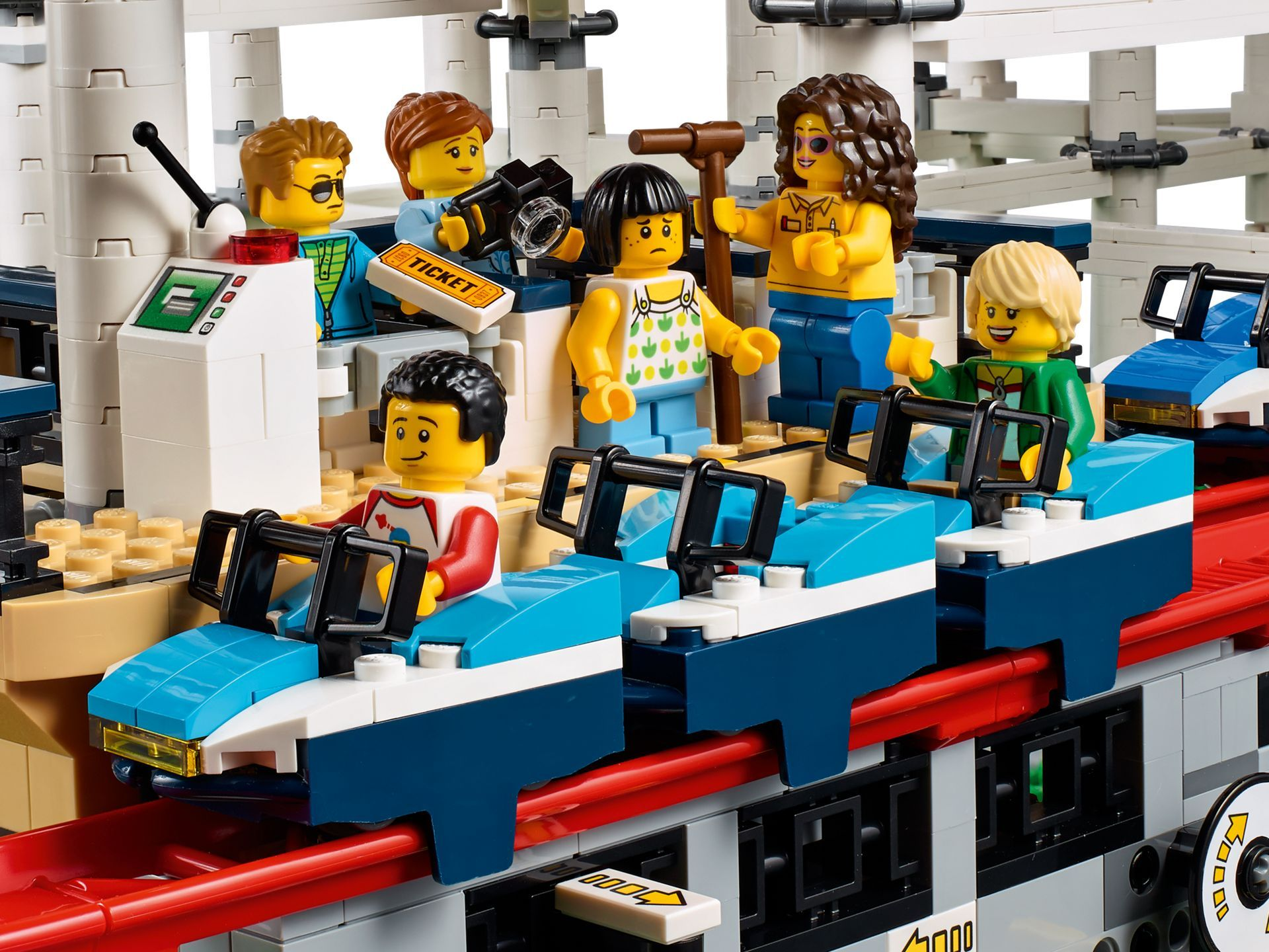 LEGO® Creator Expert Achterbahn (10261) - Bild 08 | ©LEGO Gruppe