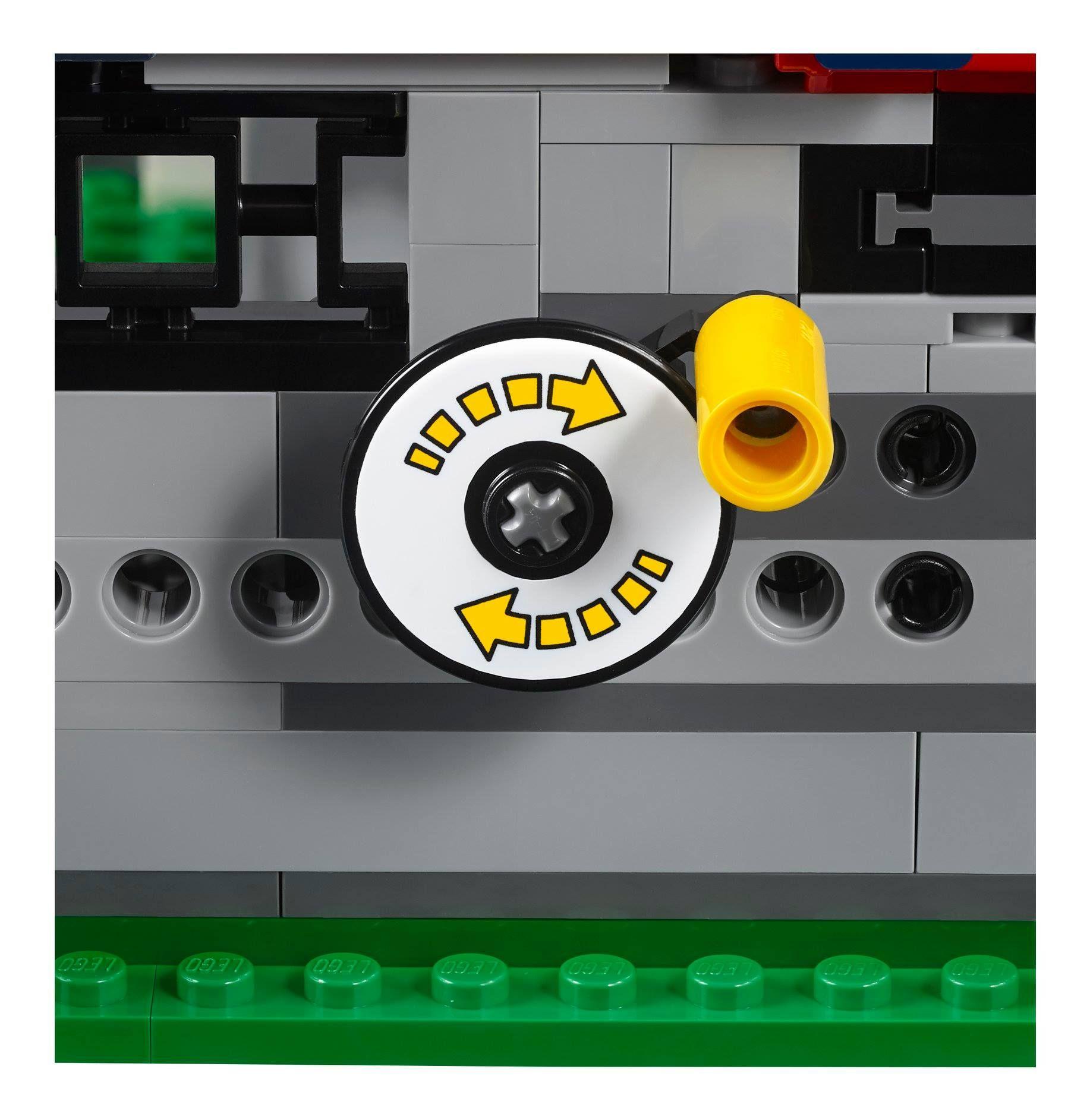 LEGO® Creator Expert Achterbahn (10261) - Bild 12 | ©LEGO Gruppe