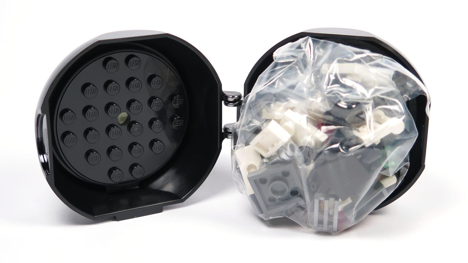 LEGO® Star Wars™ Darth Vader Pod (5005376) - offen mit Inhalt | ©2018 Brickzeit