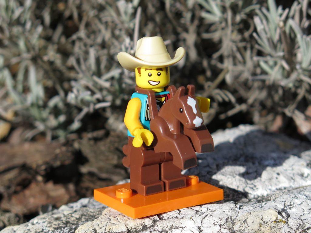 LEGO Minifiguren Serie 18 (71021) - Cowboy beim Ausritt | ®2018 Brickzeit