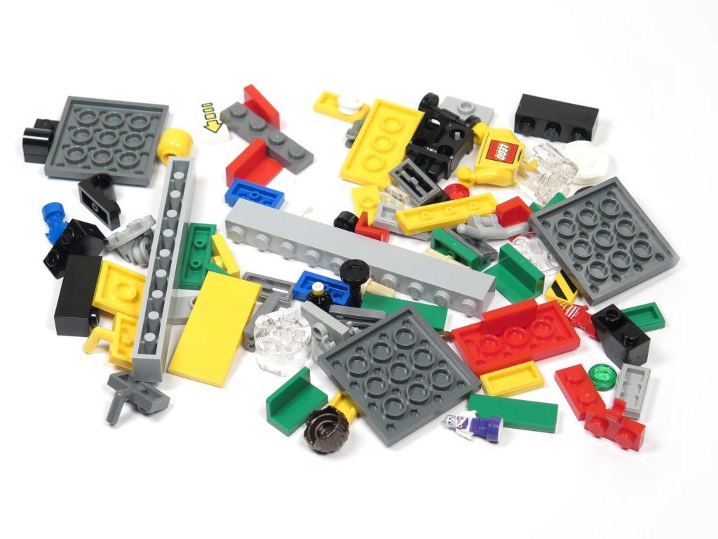 ®LEGO Minifigurenfabrik (5005358) - Bausteine | ©2018 Brickzeit