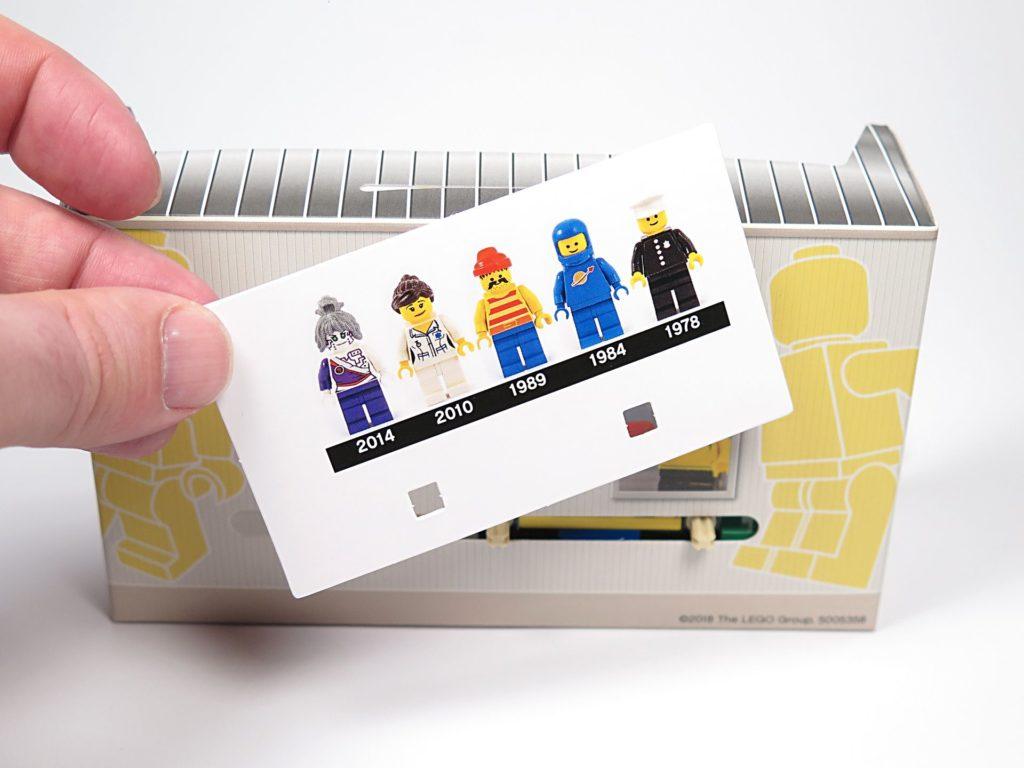®LEGO Minifigurenfabrik (5005358) - Karton mit Minifiguren Timeline | ©2018 Brickzeit