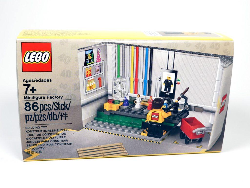 ®LEGO Minifigurenfabrik (5005358) - Packung mit Banderole | ©2018 Brickzeit