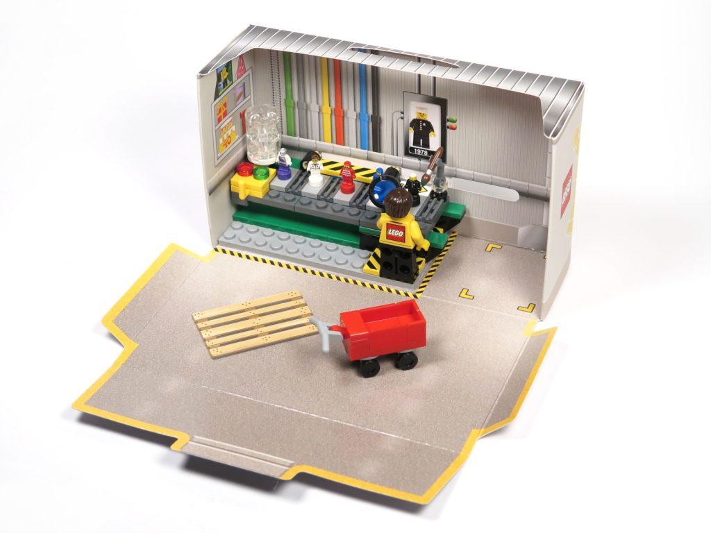 ®LEGO Minifigurenfabrik (5005358) - Set | ©2018 Brickzeit