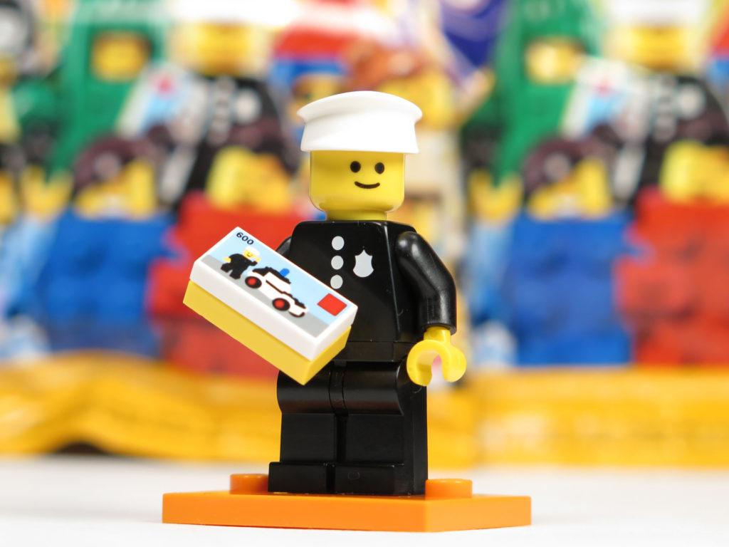 LEGO® Retro Polizist | ©2018 Brickzeit