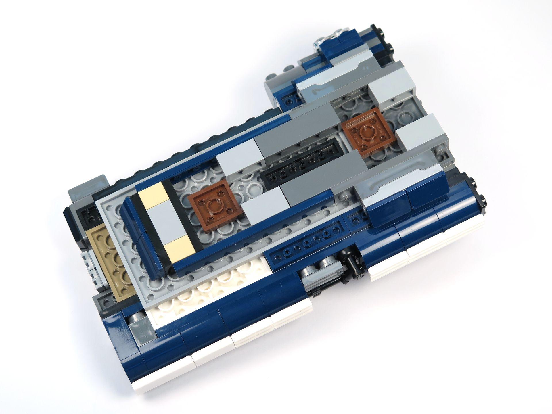 LEGO® Star Wars™ Han Solo's Landspeeder™ (75209) - Bauabschnitt 2, Unterseite | ©2018 Brickzeit