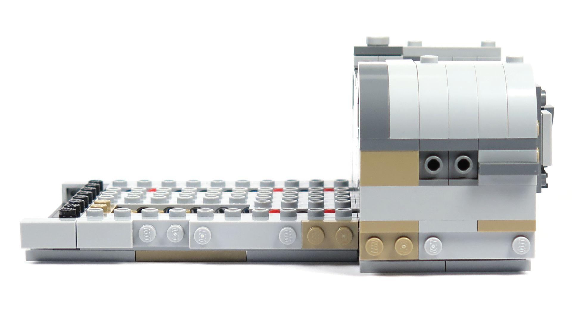 LEGO® Star Wars™ Moloch's Landspeeder™ (75210) - Bauabschnitt 2 - links mit Anbau | ©2018 Brickzeit