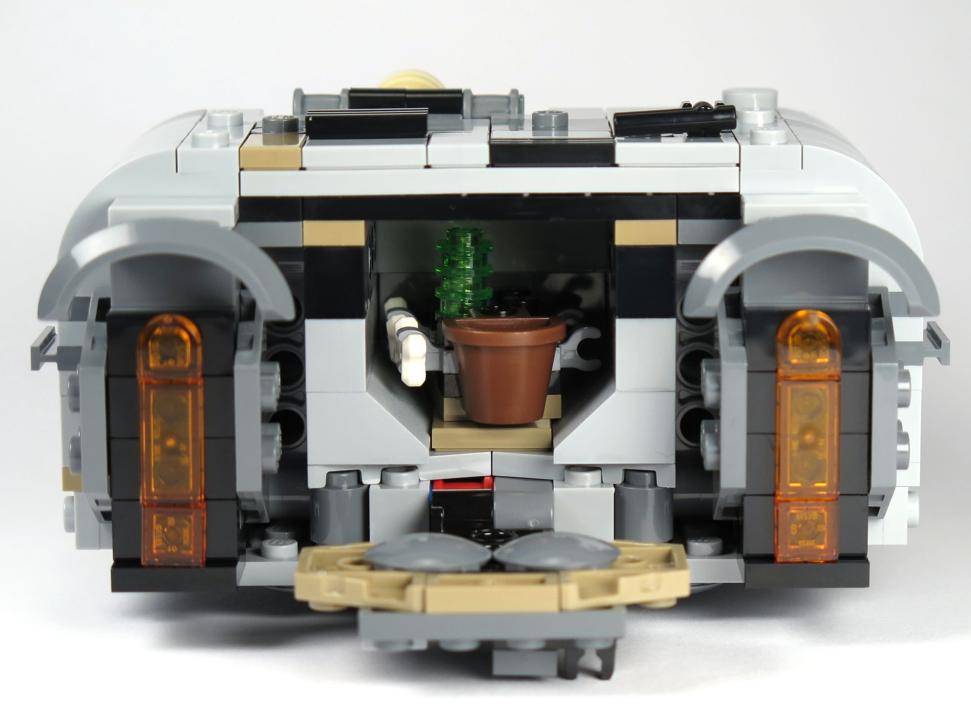 LEGO® Star Wars™ Moloch's Landspeeder™ (75210) - Heckklappe offen, beladen | ©2018 Brickzeit