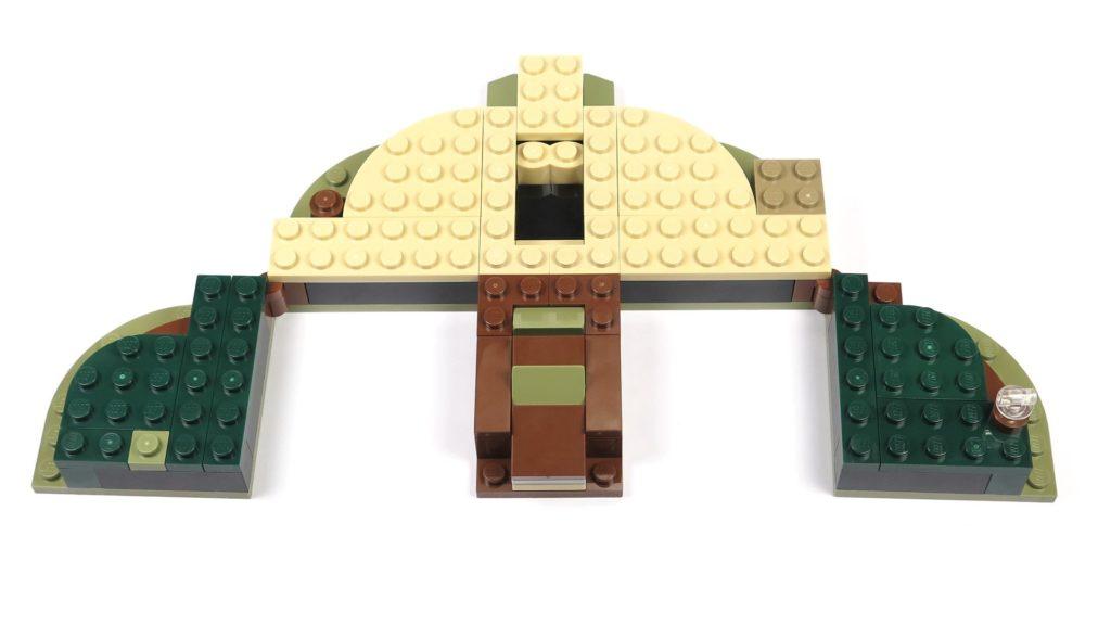 LEGO® Star Wars™ Yoda's Hütte (75208) - Bauabschnitt 1 - Platte aufgeklappt | ©2018 Brickzeit