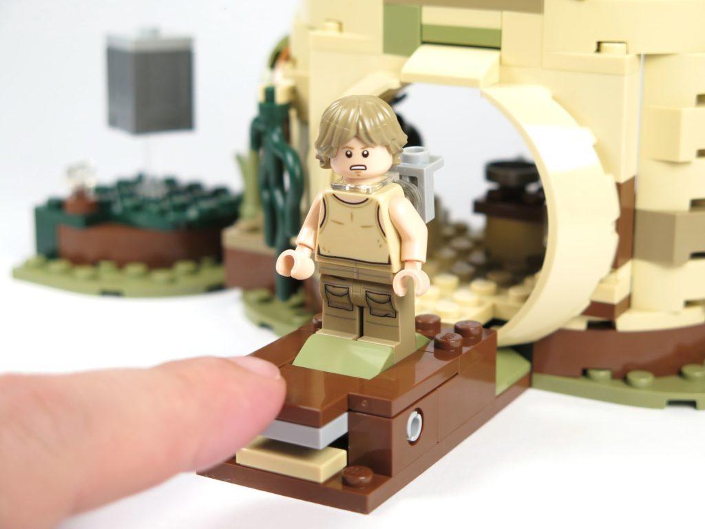 LEGO® Star Wars™ Yoda's Hütte (75208) - Plattform, Luke steht | ©2018 Brickzeit