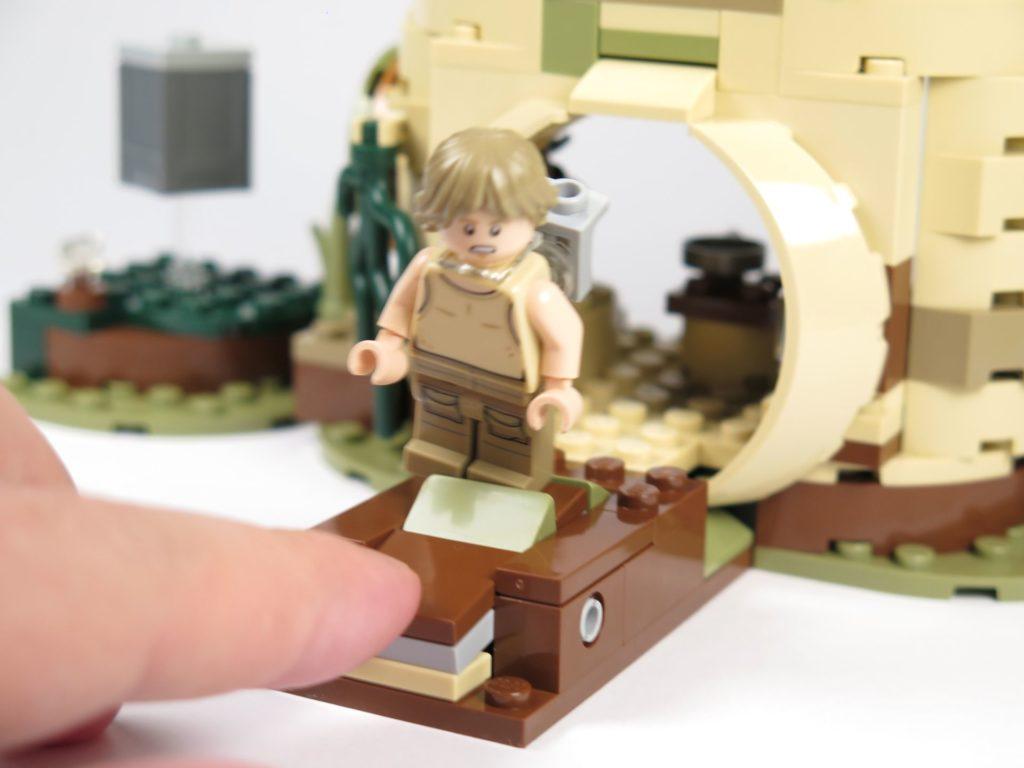 LEGO® Star Wars™ Yoda's Hütte (75208) - Plattform, Luke in der Luft | ©2018 Brickzeit