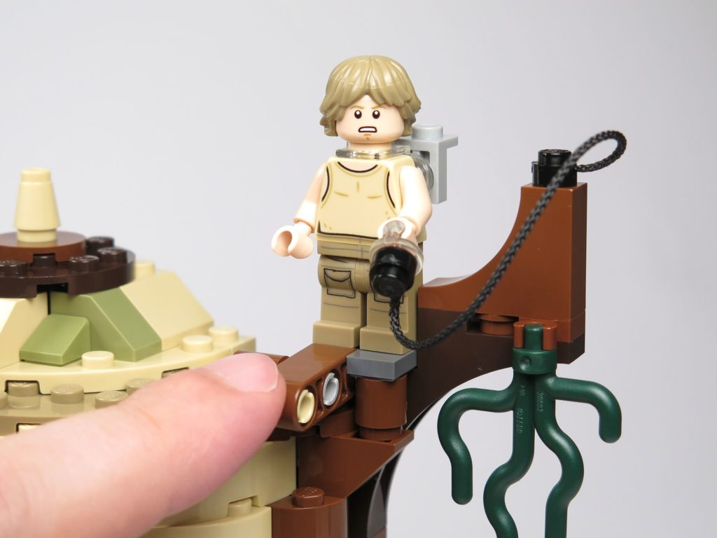 LEGO® Star Wars™ Yoda's Hütte (75208) - Luke bereit zum Sprung | ©2018 Brickzeit