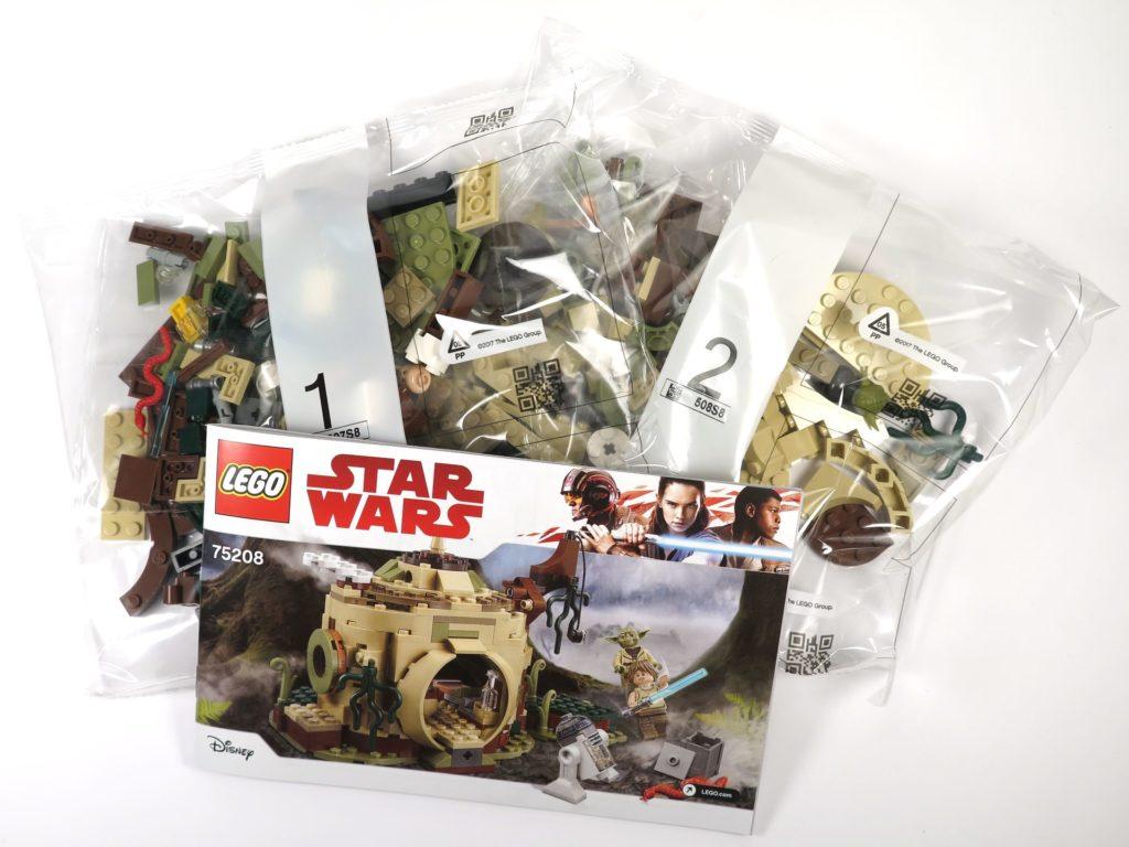 LEGO® Star Wars™ Yoda's Hütte (75208) - Inhalt | ©2018 Brickzeit