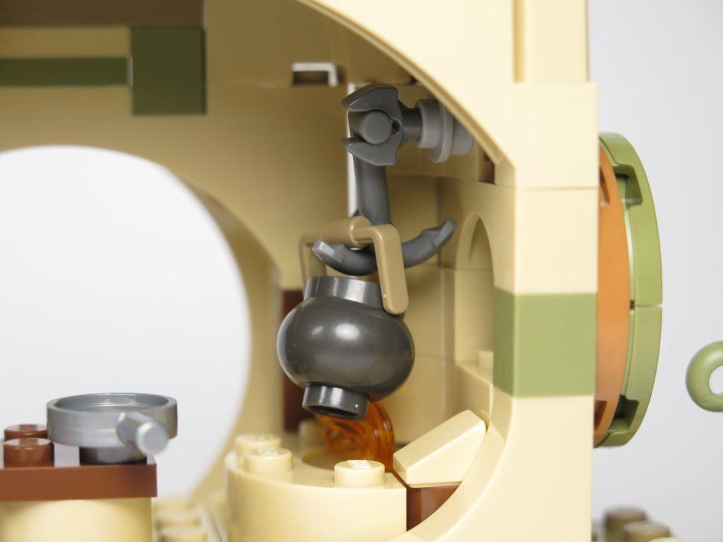 LEGO® Star Wars™ Yoda's Hütte (75208) - Kessel am Haken | ©2018 Brickzeit