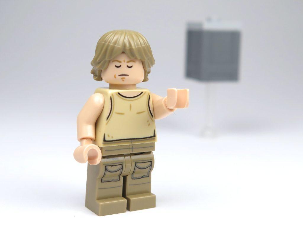 LEGO® Star Wars™ Yoda's Hütte (75208) - Luke Skywalker konzentriertes Gesicht | ©2018 Brickzeit