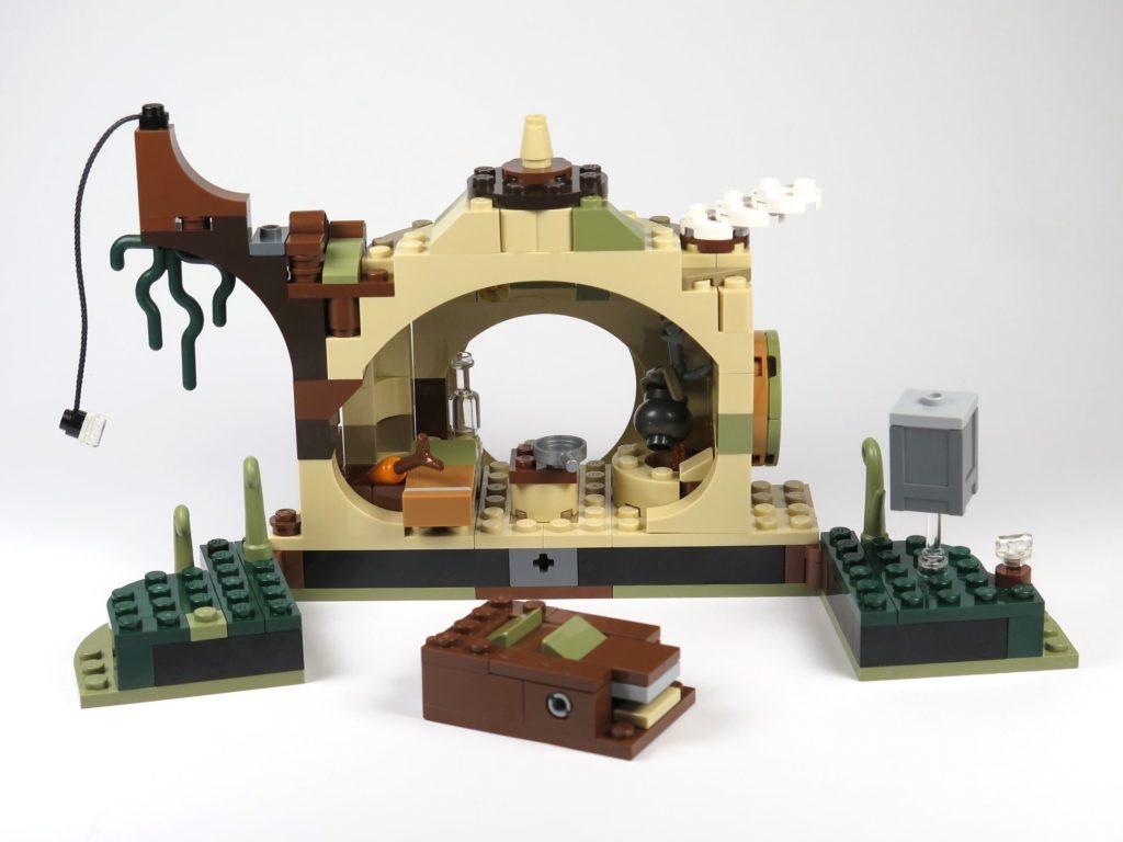 LEGO® Star Wars™ Yoda's Hütte (75208) - Rückseite geöffnet | ©2018 Brickzeit